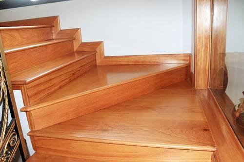 Làm mặt bậc cầu thang gỗ ở đâu chất lượng, giá tốt nhất?