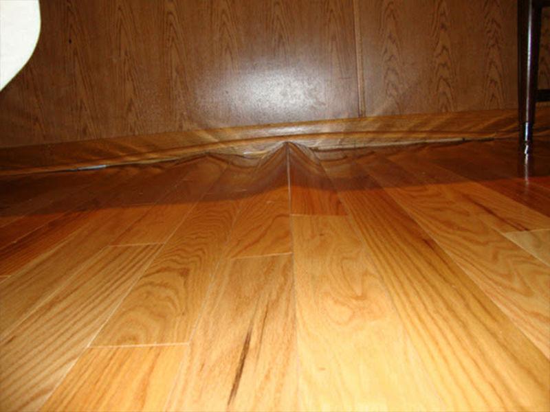 Nguyên nhân và cách khắc phục sàn gỗ bị phồng đúng cách